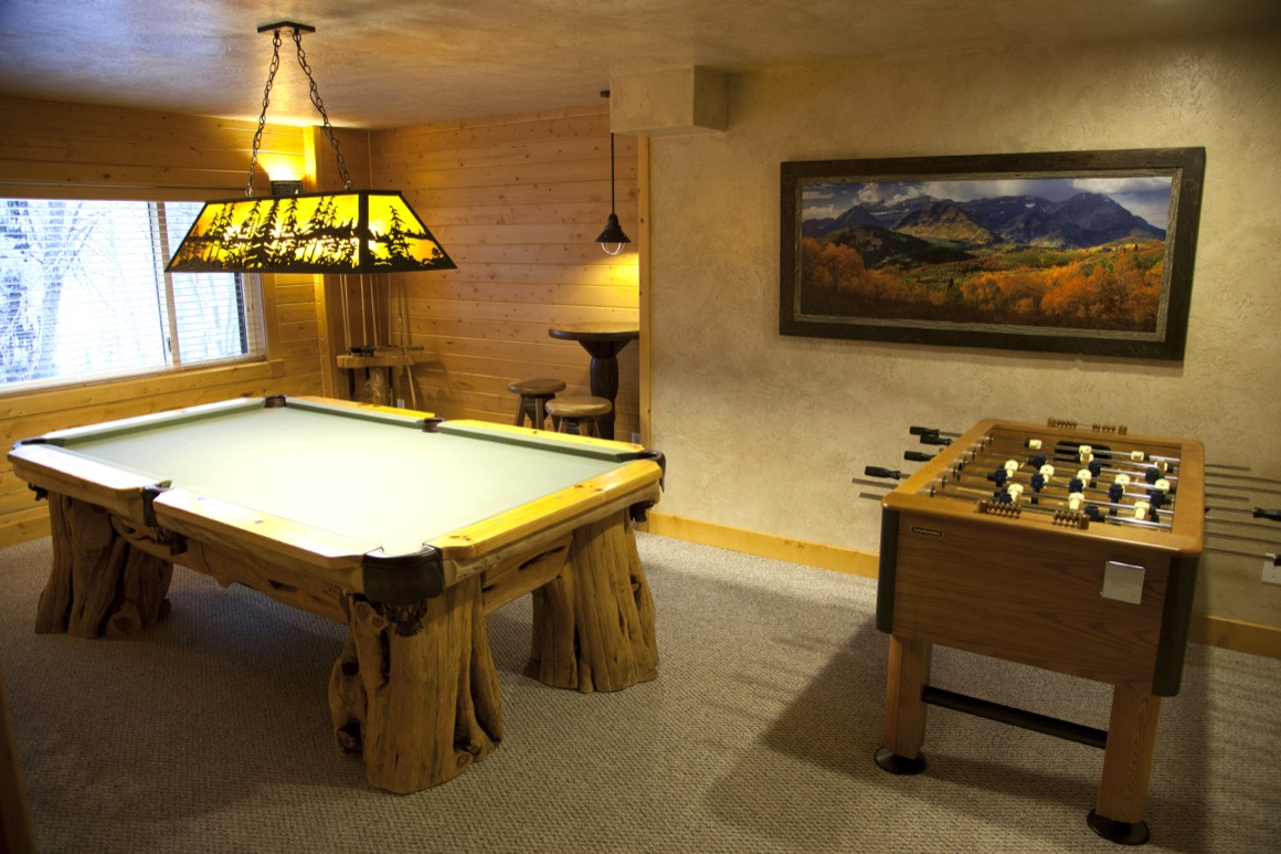 Cabin Rental Game Room
