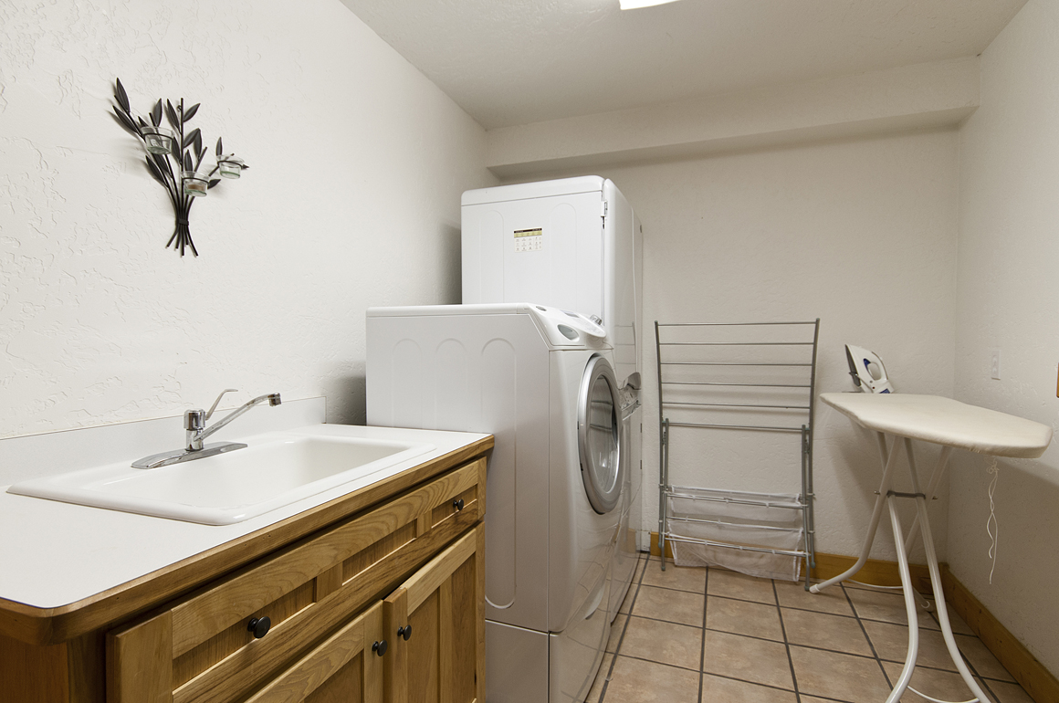 Cabin Laundry Room